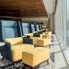 As calçadas de Copacabana são reproduzidas no lounge, de onde é possível avistar o Pão de Açúcar.