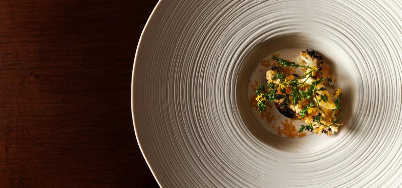 Na gastronomia de Manu Buffara, fome tem outro significado.