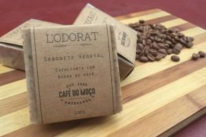 Os sabonetes esfoliantes feitos com borra de café já estão disponíveis no Barista Coffee Bar e custa a partir de R$18.