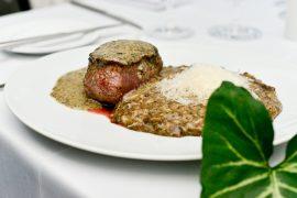 O menu de Dudu Sperandio conta com suas especialidades: trufas brancas e negras | Foto: Jennyfer Almeida.