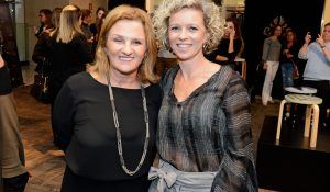 Simone Soifer, diretora do Shopping Pátio Batel, e a presidente da Escola Israelita Brasileira Salomão Guelmann, Silviane Sasson.