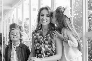 Mães e filhas foram fotografadas em ação especial da Bazaar Fashion.