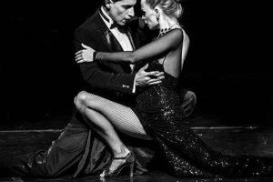 Em turnê pelo Brasil, o autêntico Señor Tango traz o melhor do ritmo portenho para Curitiba.