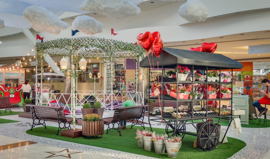 O Dia dos Namorados do Shopping Mueller tem espaço especial com várias atrações para os casais.