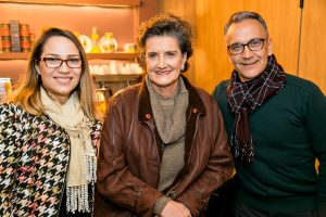 Graziela Gomes, coordenadora de Marketing e Comunicação da Masisa; Marina Nessi, diretora da CASACOR Paraná e Solon Cassal, gerente de Tendências da Masisa.