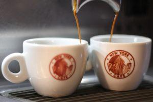 Sucesso entre os curitibanos, o New York Cafe vai abrir um segunda unidade no Batel em setembro.