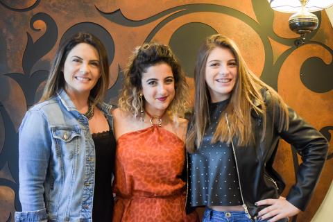 Kelly Campagnolo, Carol Nogara e Vicky Campagnolo (Foto: Felipe Feijó).