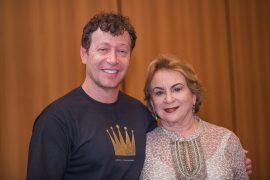 LeonKnopfholz e Ester Proveler na estreia de O Despertar de Solomon em Curitiba