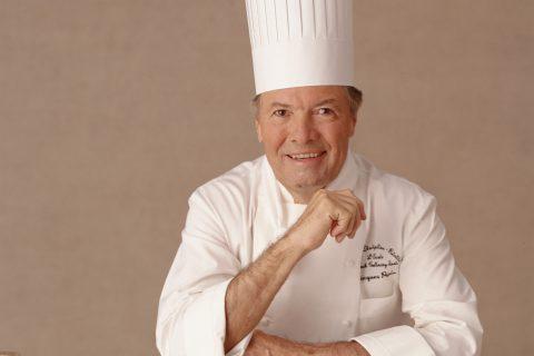 O chef francês Jacques Pepin é diretor geral de gastronomia do Oceania Cruises