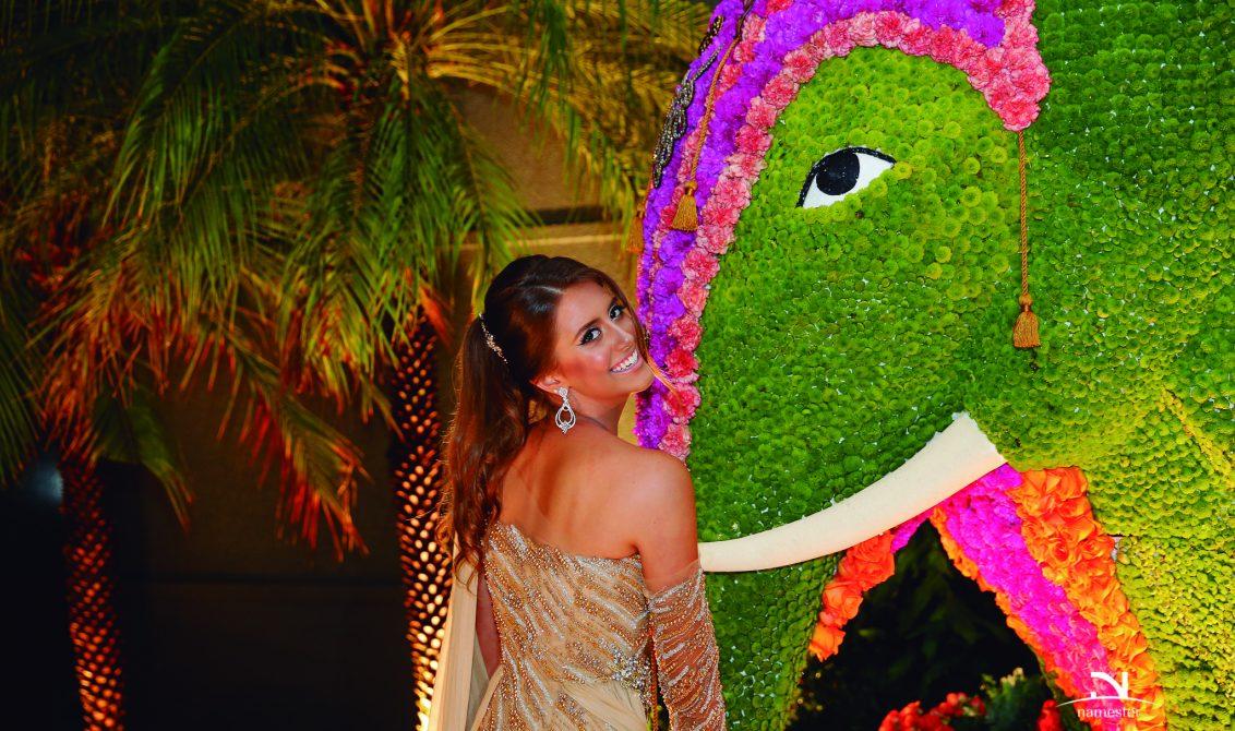 2011b53acdf Manuela com a atração-mor da festa