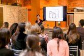 Balaroti Expo Revestir A arquiteta e designer, Katalin Stammer, apresentou aos convidados um panorama geral da Expo Revestir