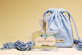 Conheça o primeiro perfume Sarah Chofakian