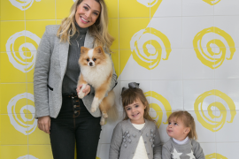 Na foto: Thay Milani e as meninas Giulia e Laura   Parada Pet 2018