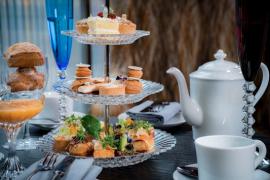 Baccarat Hotel oferecerá chá da tarde à la casamento da família real