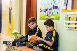 benefícios das escolas bilíngues