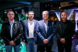 Bana Premium abre portas em Curitiba primeiro centro automotivo de luxo Sérgio Luiz (Bana Premium), Andre Luis Albano (Texaco), Jair Bana (Proprietário Bana Premium) e Bene Oliveira (Real Autopeças)