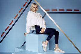 Do You Marshmallow Confira o novo tênis da PUMA com Cara Delivigne Sneaker Suede Bow Varsity