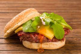 Porks distribuirá 100 hambúrgueres