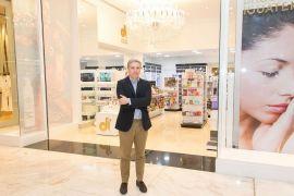 Reinauguração Drogaria Iguatemi do Pátio Batel traz conceito de boutique O diretor da rede Drogaria Iguatemi Leonardo Diniz_créd. Naideron Jr. (1)