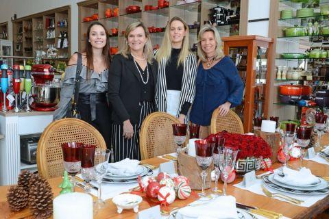 Natal Holy Home Store - Foto Gerson Lima Bruna Garcia, Juliane Fuganti, Gabriela Casagrande e Simone Porate.