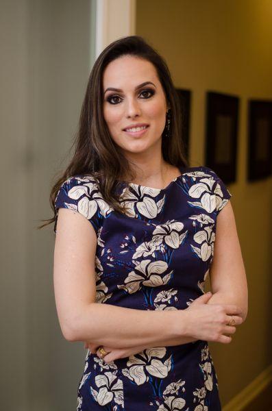 Prêmio Personalidades TOPVIEW Psicólogo Emanuelle Araujo