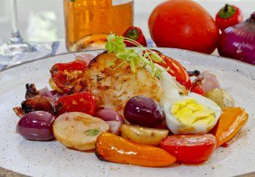 Bacalhau-de-domingo_chef-Guile-Kaesemodel_créd.-Antônio-More_-360x250.jpg