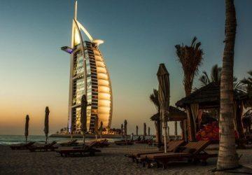 burj-al-arab-dubai-hotel-architecture-beach-sand-360x250.jpg