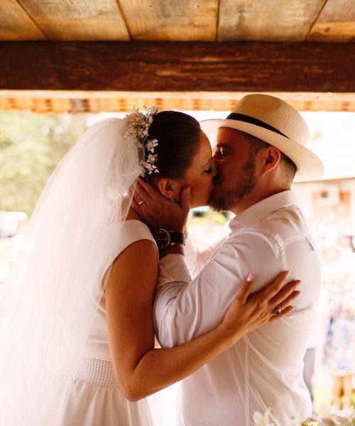 mariana-alves-fotografia-curitiba-casamento-adriana-mauricio-ar-livre-342-500x600.jpg