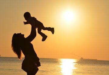 baby-babysitter-babysitting-51953-360x250.jpg