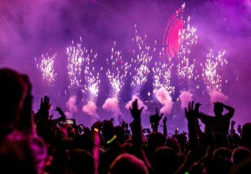 audience-band-celebration-1190298-360x250.jpg