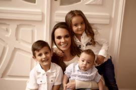 Dra. Joana Iarocrinski e os filhos João Pedro, Otávio e Cecilia