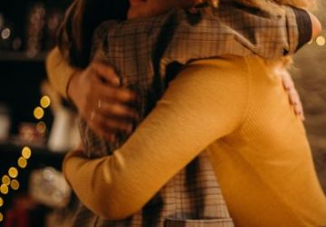 two-person-hugging-photograph-3171465-360x250.jpg