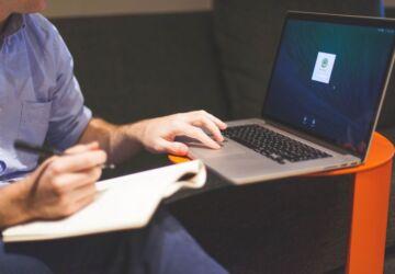 man-notebook-notes-macbook-7063-360x250.jpg