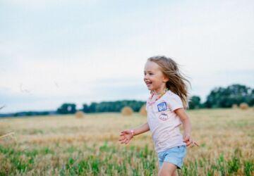 carefree-child-enjoyment-field-220455-360x250.jpg