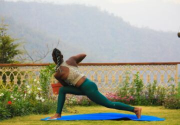 rishikesh-yogpeeth-nhjxngI_5D4-unsplash-360x250.jpg