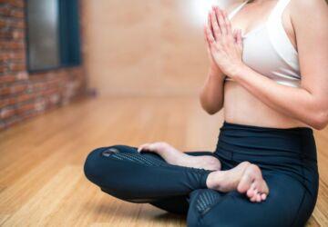 yoga-3053488_1920-360x250.jpg