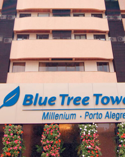 Hotel-Porto-Alegre-Blue-Tree-Millenium-Fotos-Fachada-1--500x625.jpg