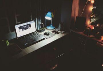 black-laptop-beside-black-computer-mouse-inside-room-669996-360x250.jpg