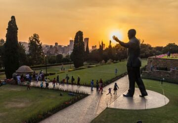People-walking-around-the-Nelson-Mandela-statue-at-the-Union-Buildings_VisitSouthAfrica_ssimg_073-360x250.jpg