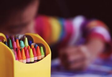 crayons-1209804_1920-360x250.jpg