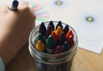 crayons-1445054_1920-360x250.jpg