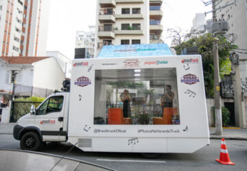 Fabia-Dias-e-Rica-Sant'-Anna-no-truck-360x250.jpg